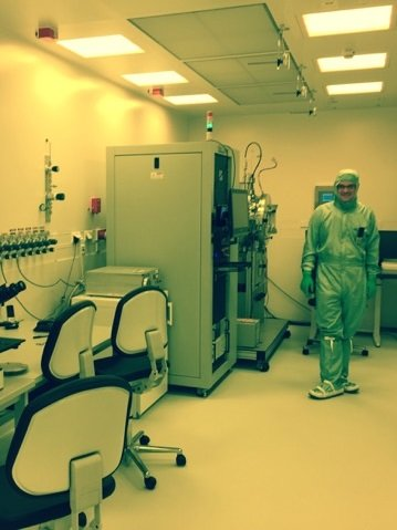 Dr Markus König in the newly commissioned clean room facilities that will be used in a number of IMPRS-CPQM PhD projects